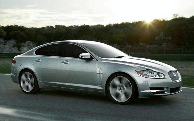 1 Jaguar Xf